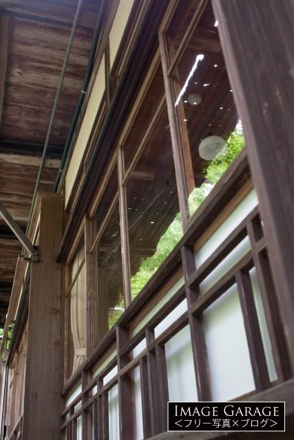 日本家屋の窓のフリー写真素材(無料)