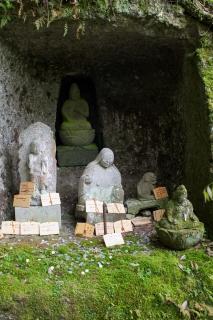 伊豆修善寺の岩谷観音とおしゃぶり婆さん