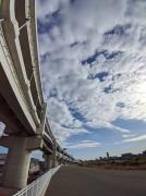 鶴見川サイクリングコースと首都高速横浜北線