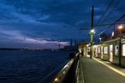 夕暮れの海芝浦駅
