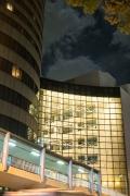 新横浜プリンスホテルとプリンスぺぺの接続部の夜景