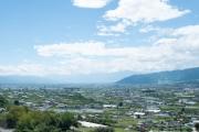 塩山フルーツライン・牛奥みはらしの丘から眺める甲府盆地