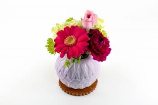 母の日に贈る花(ガーベラ・カーネーションなど)