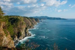 高さ200m・5層の鵜の巣断崖
