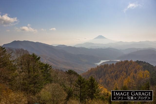 大菩薩嶺・唐松尾根から眺める富士山のフリー素材写真(無料)