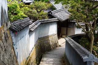 ノスタルジック雰囲気の尾道の天寧寺坂