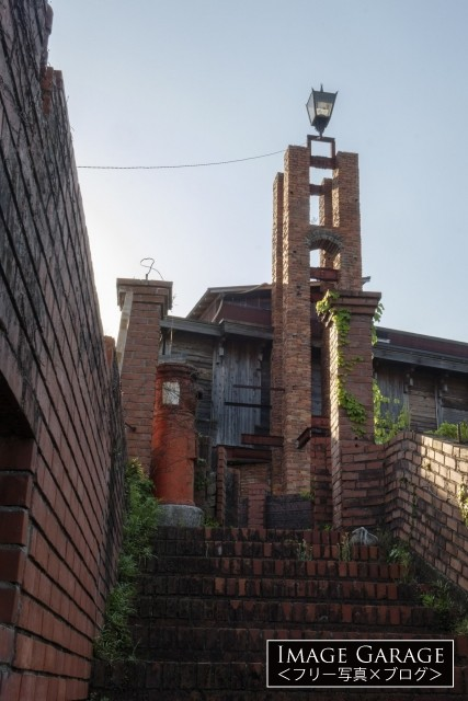 徳島の廃墟カフェ大菩薩の建物の一部のフリー素材写真(無料)