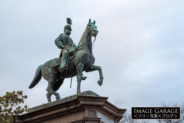 上野恩賜公園の小松宮彰仁親王像のフリー素材写真(無料)