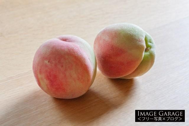 初ものの小さな桃のフリー素材写真(無料)