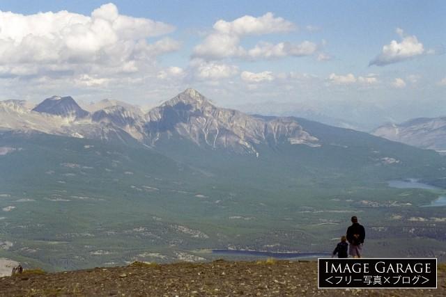 ジャスパー国立公園・ウィスラーズ山山頂からの絶景のフリー素材写真(無料)
