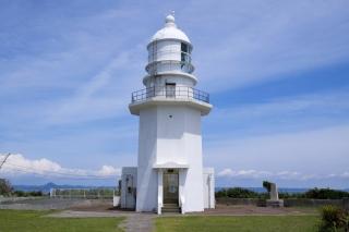 八角形の白く美しい剱埼灯台