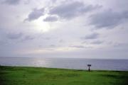 男鹿半島・入道崎の草原と日本海