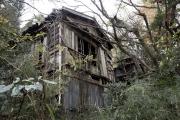 箱根 堂ヶ島警告遊歩道の廃屋