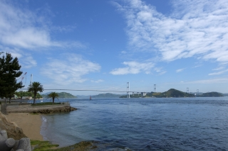 桧垣鉄工所前から見る来島海峡大橋