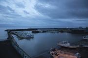 大磯港と漁船