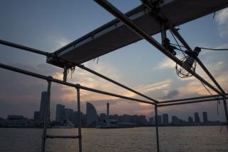 サンタバルカ号から見た横浜みなとみらいの夕焼