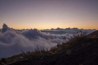 富士山・富士宮口5合目から見た雲海