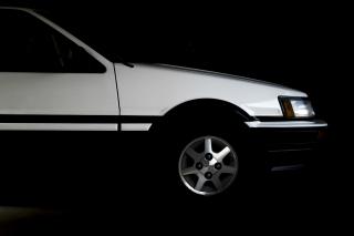 AE86・カローラレビン フロントサイドビュー