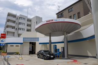 水素ステーションとトヨタMIRAI