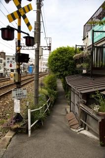 尾道・寺道踏切前の路地