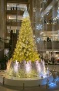 横浜ランドマークタワーのクリスマスツリー(金)