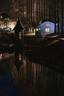 ライトアップされたあけぼの子どもの森公園
