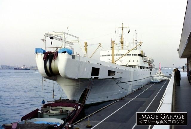 海底ケーブル敷設船、MERCURY(マーキュリー)のフリー写真素材