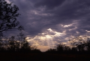 オーストラリアで見た天使の梯子のフリー写真素材