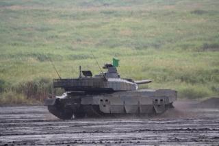 富士総合火力演習・10式戦車