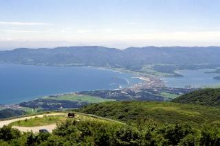 ドンデン山から見た佐渡島・両津の町