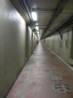 川崎港海底トンネルの歩道(人道)