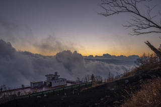 富士山 富士宮口の荒々しい雲海