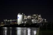 若洲海浜公園から見た太平洋セメントの工場夜景