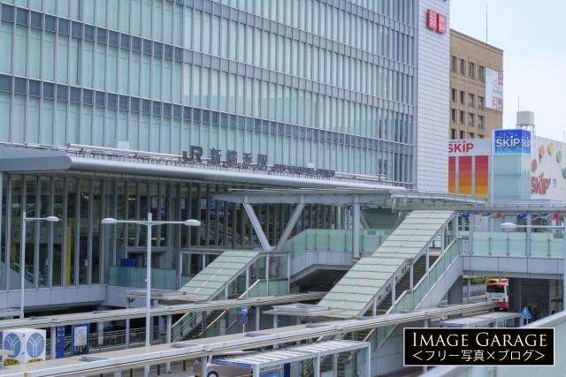 新横浜駅の駅ビル・キュービックプラザのフリー写真素材(無料)