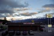 ゴールデンのモーテルから眺めたカナダの山々