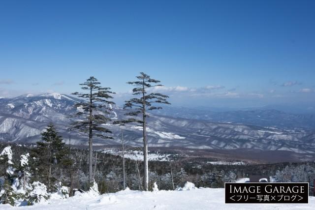 パルコールつま恋スキーリゾートから眺める冬の山々のフリー写真素材(無料)