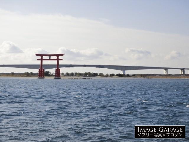浜名湖・弁天島の赤鳥居のフリー写真素材
