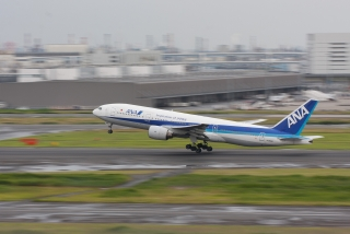 ボーイング777-200・ANA JA8198