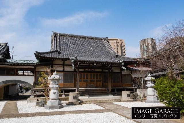 武蔵小杉駅すぐの所にある東福寺のフリー写真素材