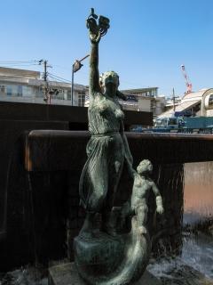 大崎ニューシティー内・平和の誓い像