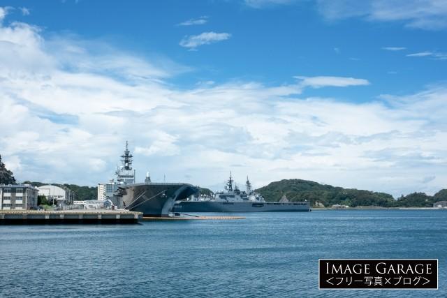 ヴェルニー公園から見た軍艦のフリー画像(無料写真素材)