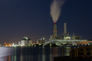 新磯子・南横浜火力発電所の夜景