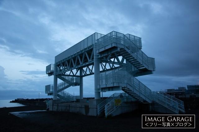 大磯の津波避難タワーのフリー画像(無料写真素材)