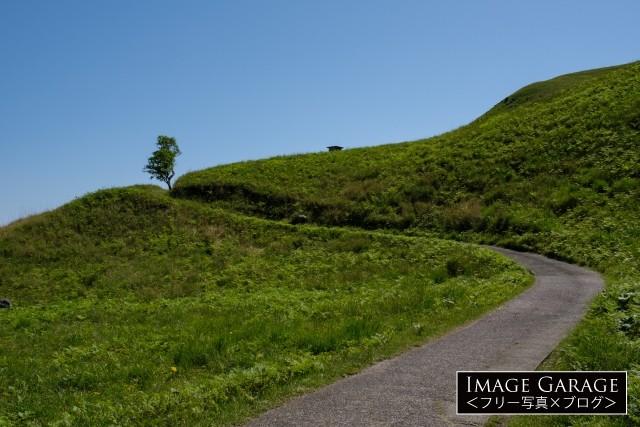 細野高原・三筋山へと続く道のフリー写真素材(無料画像)