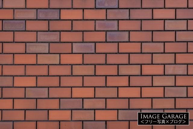 昭和的なレンガの壁のフリー写真素材(無料画像)