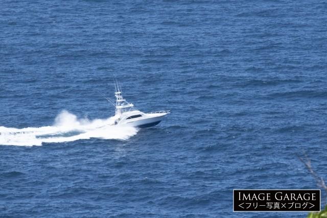 スポーツフィッシャーマン・ボートのフリー画像(無料写真素材)