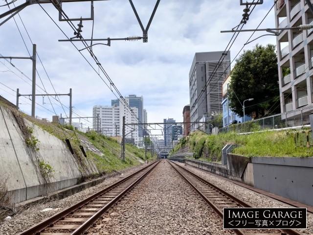 長者丸踏切から目黒駅方向を見るのフリー写真素材(無料画像)